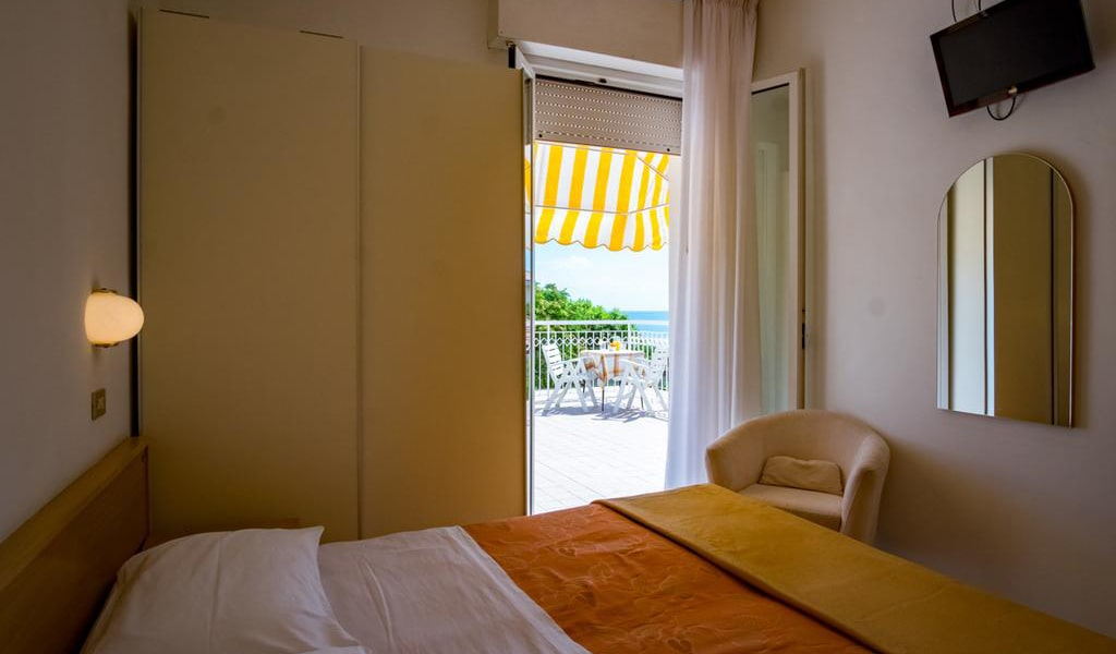 Double-Room-with-Balcony-6-min