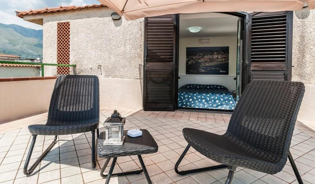 Double-Room-with-Balcony-and-Sea-View-4-min
