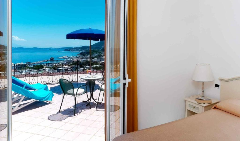 Double-or-Twin-Room-with-Sea-View-and-Terrace2-min