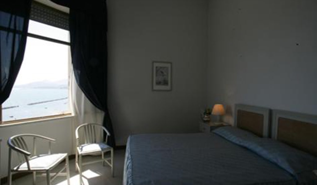 Double-or-Twin-Room-with-Sea-View-min