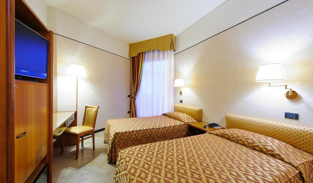 Economy-Double-or-Twin-Room-6-min