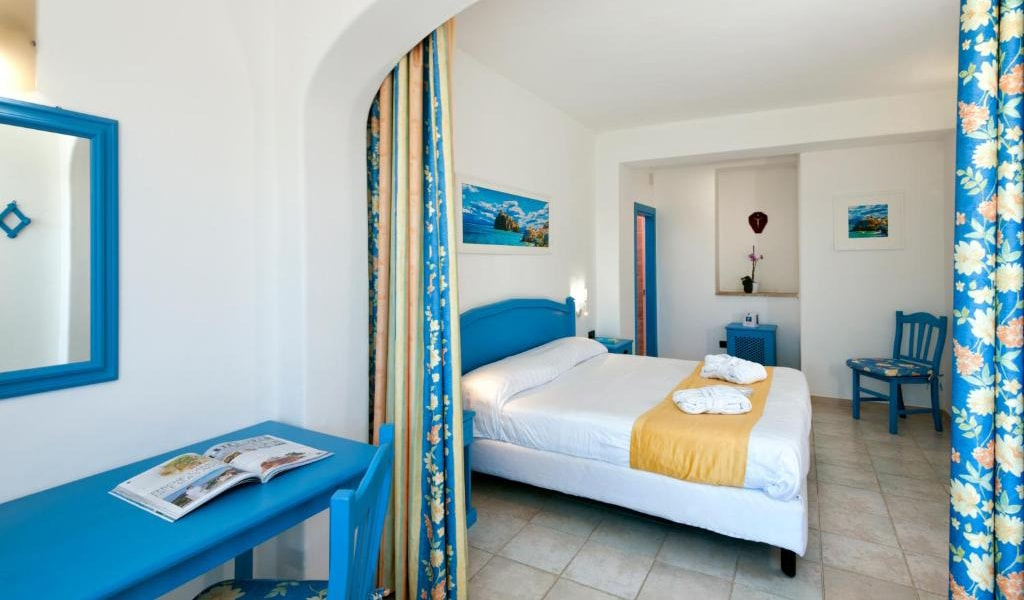 Executive-Double-Room-with-Sea-View-and-Access-to-Thermal-Park-min