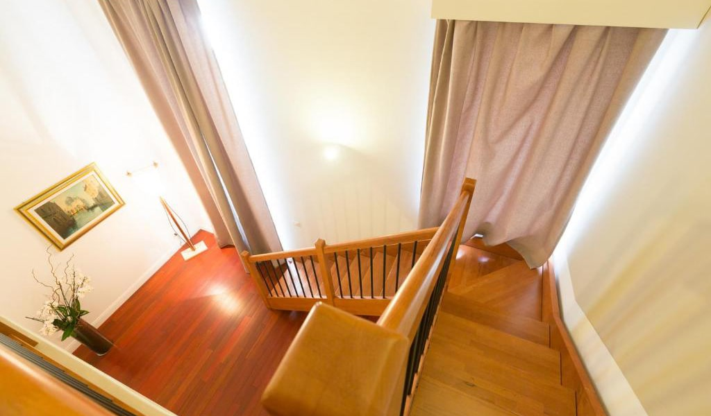 Family-Suite-with-Balcony-3-min