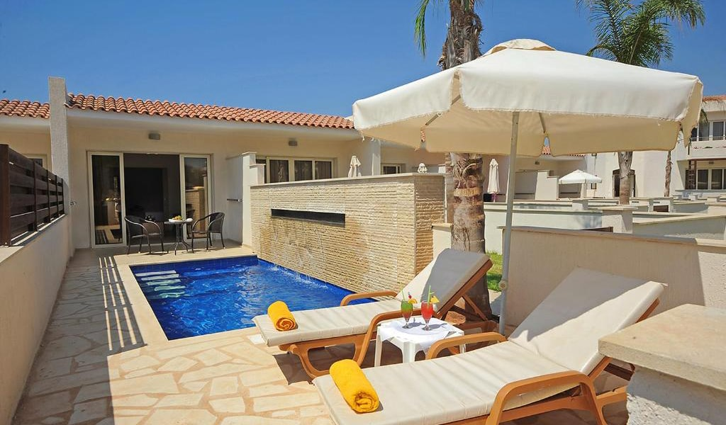 Garden-Suite-with-Private-Pool-3-min