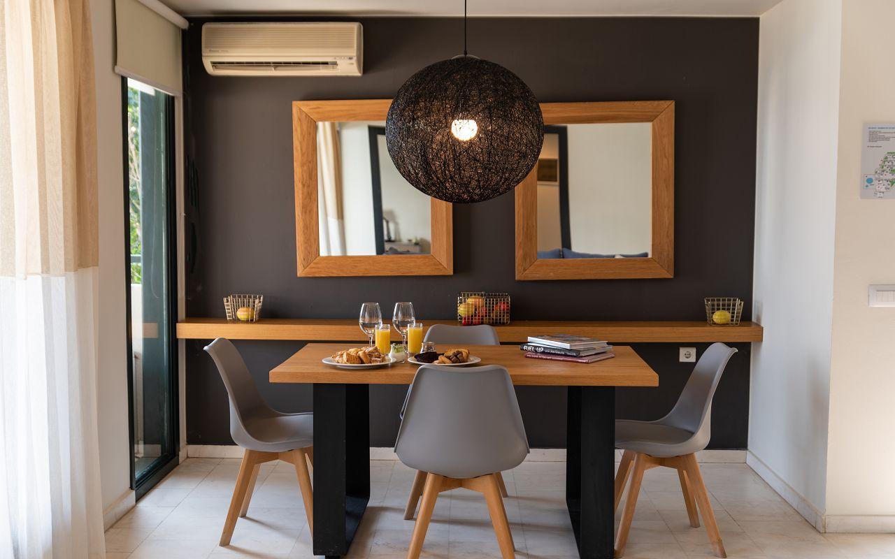 Junior Suite Dining Area