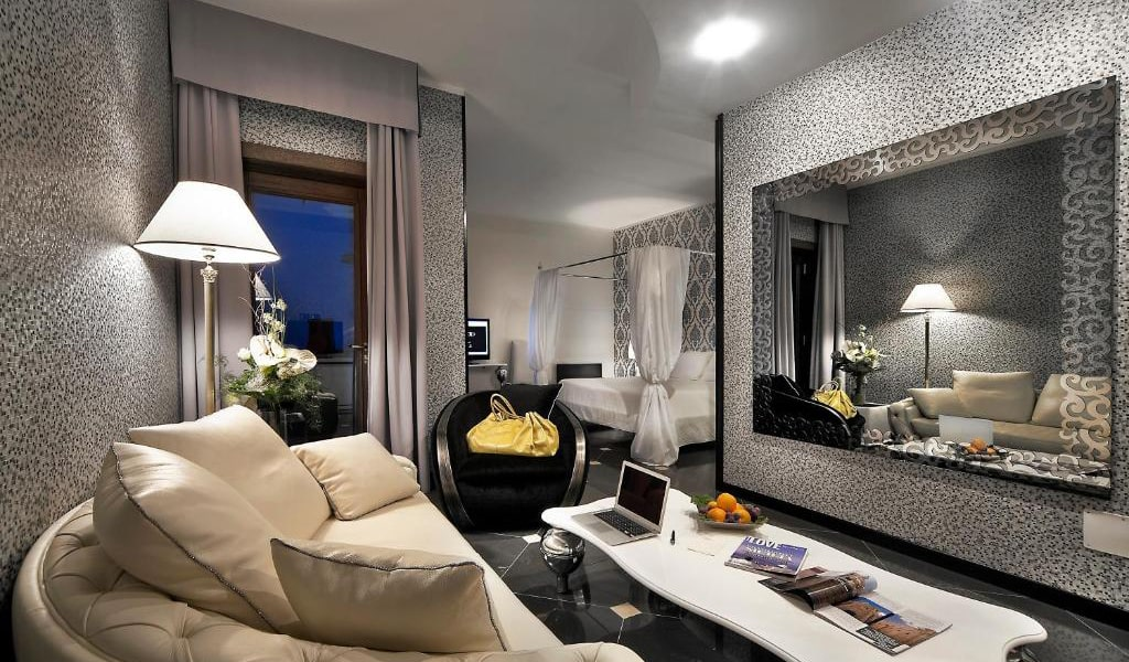 Junior-Suite-with-Sea-View-2-min
