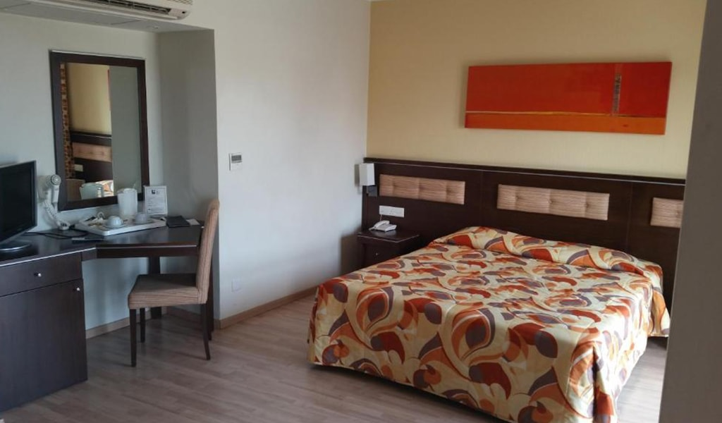 Livadhiodis City Hotel (13)
