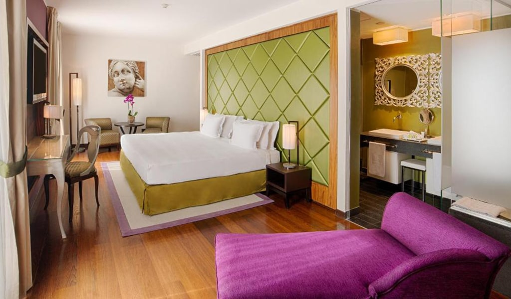 Premium-Double-or-Twin-Room-with-View-with-Extra-Bed2-min