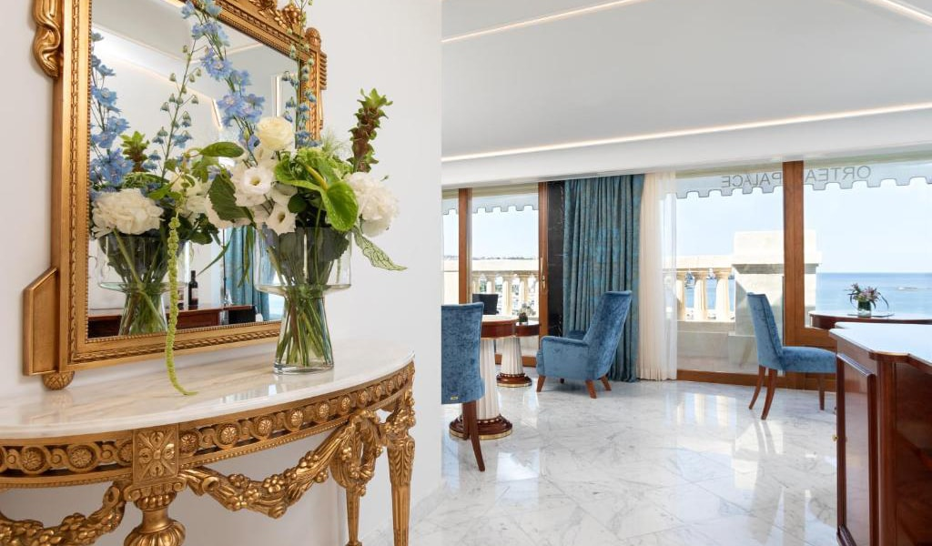 Presidential-Suite-with-Sea-View-4-min