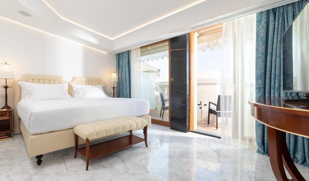 Presidential-Suite-with-Sea-View-6-min