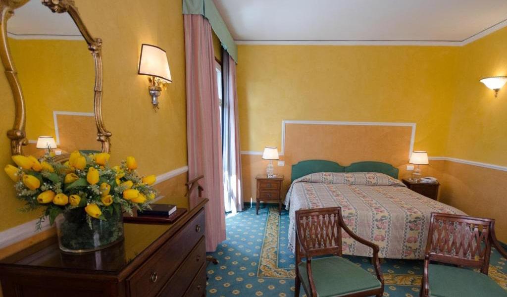 Prestige-Double-Room-with-balcony-min