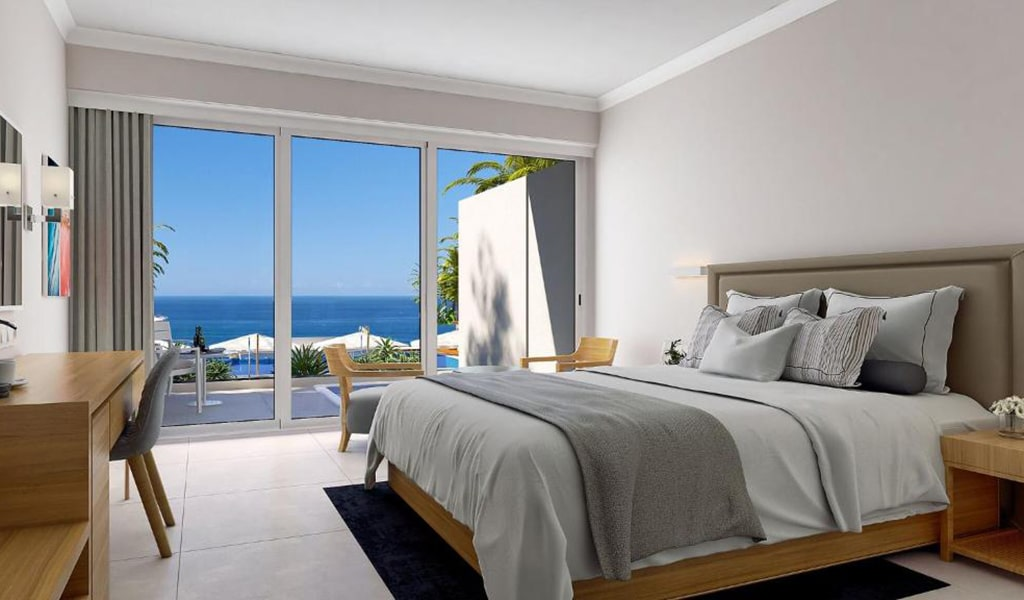 Swim-Up-Deluxe-Sea-View-Room-(Shared-Pool)-3-min