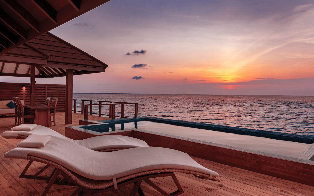 The Water Suite - Pool Deck at Sunset - VARU by Atmosphere
