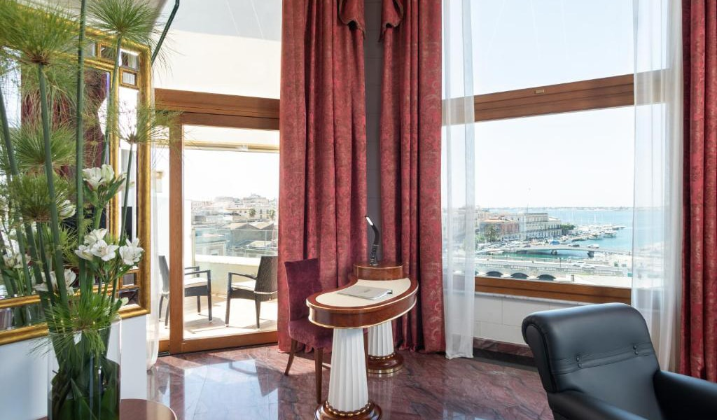 Tower-Suite-with-Sea-View---Split-Level-7-min