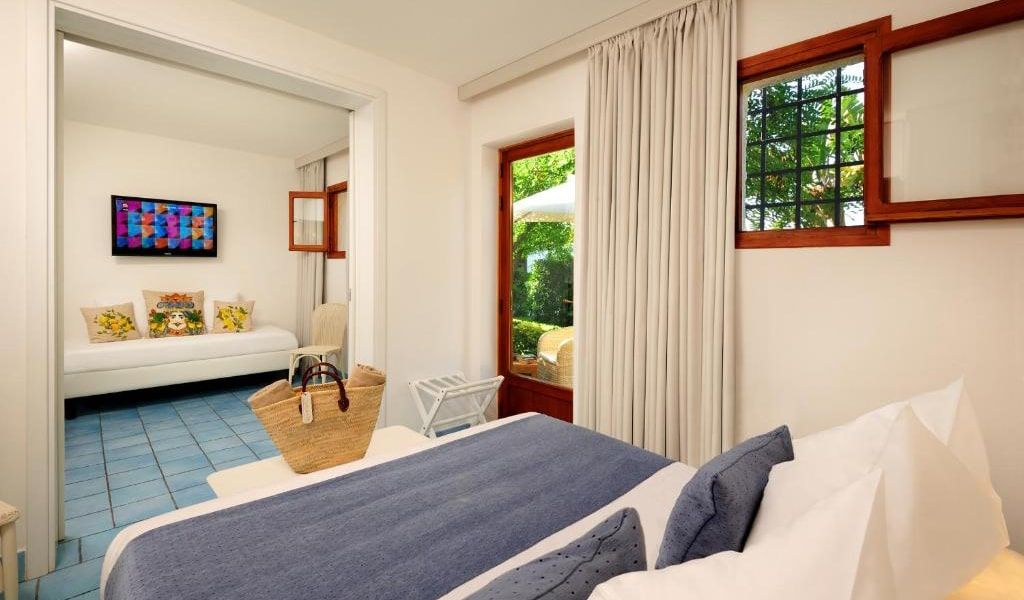 Triple-Room-with-Garden-View2-min
