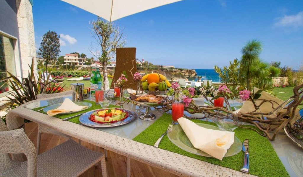 Two-Bedroom-Villa-with-Sea-View-4-min