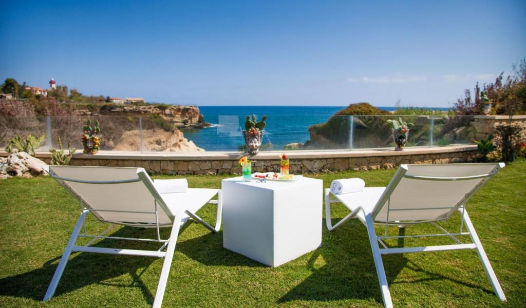 Two-Bedroom-Villa-with-Sea-View-5-min