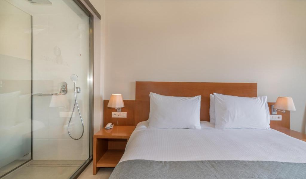 Double-Room-with-Pool-View-8-min