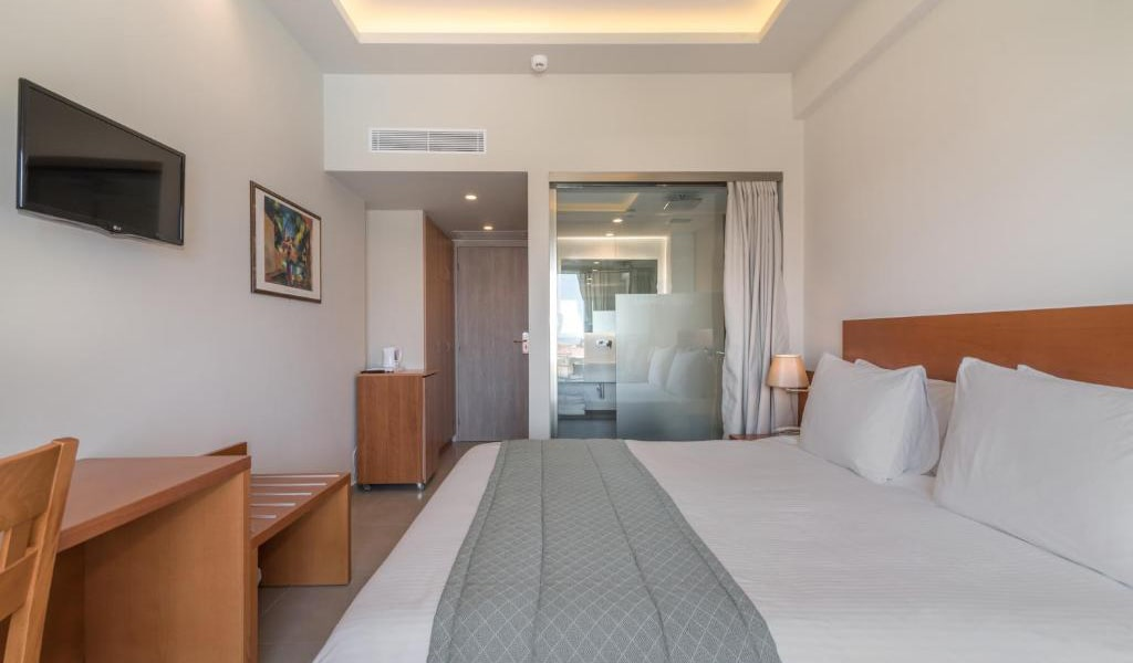 Double-Room-with-Pool-View-min