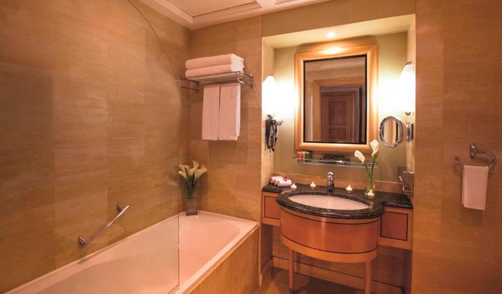 Movenpick Hotel Doha (11)