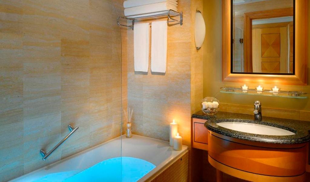 Movenpick Hotel Doha (16)