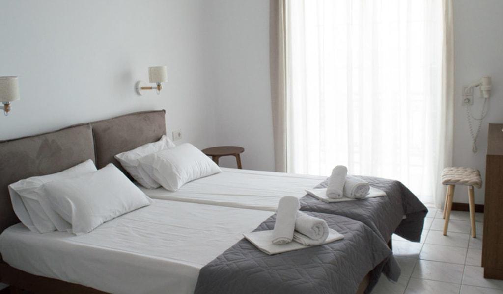 Paradise Hotel (28)