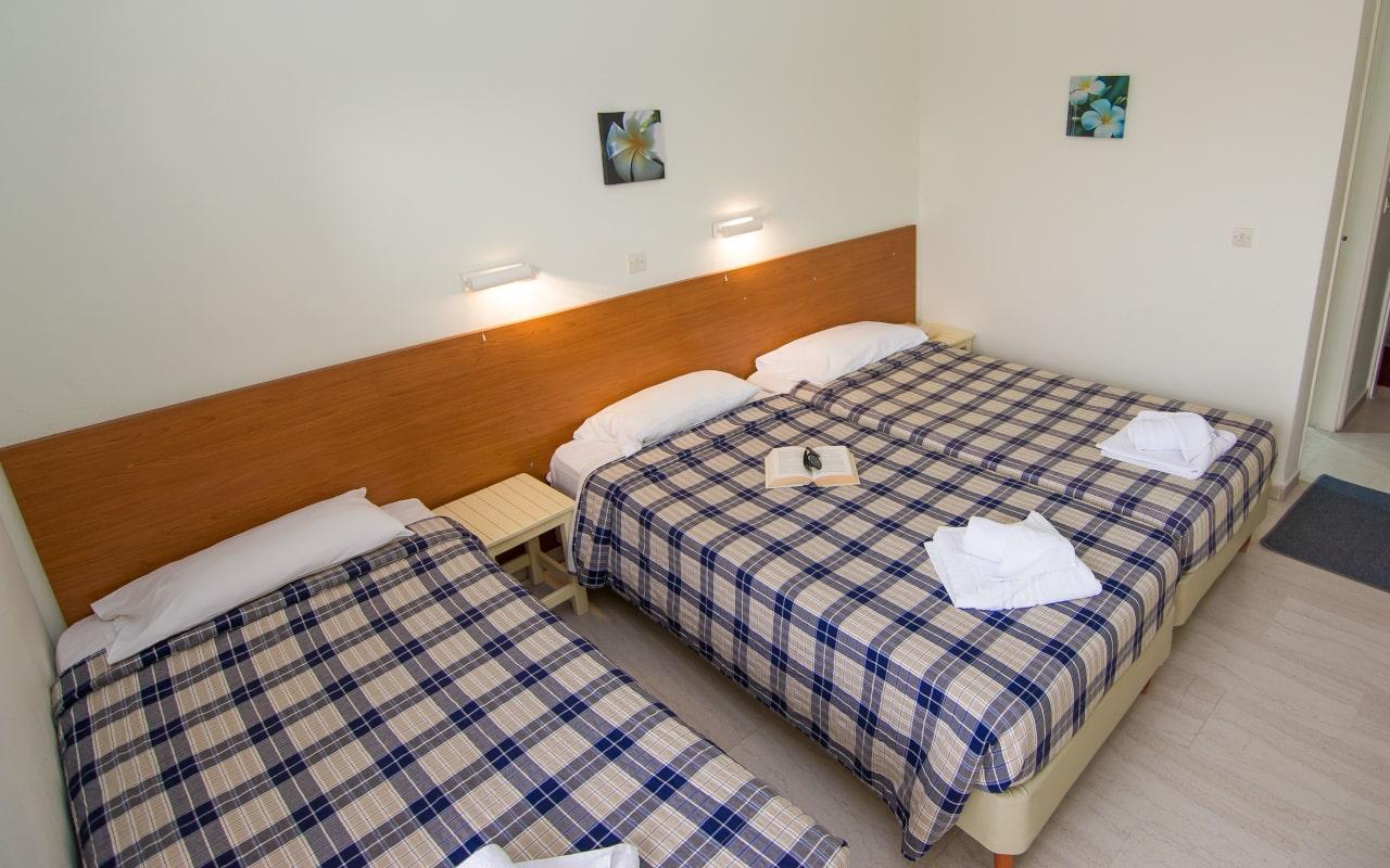 room_08-min