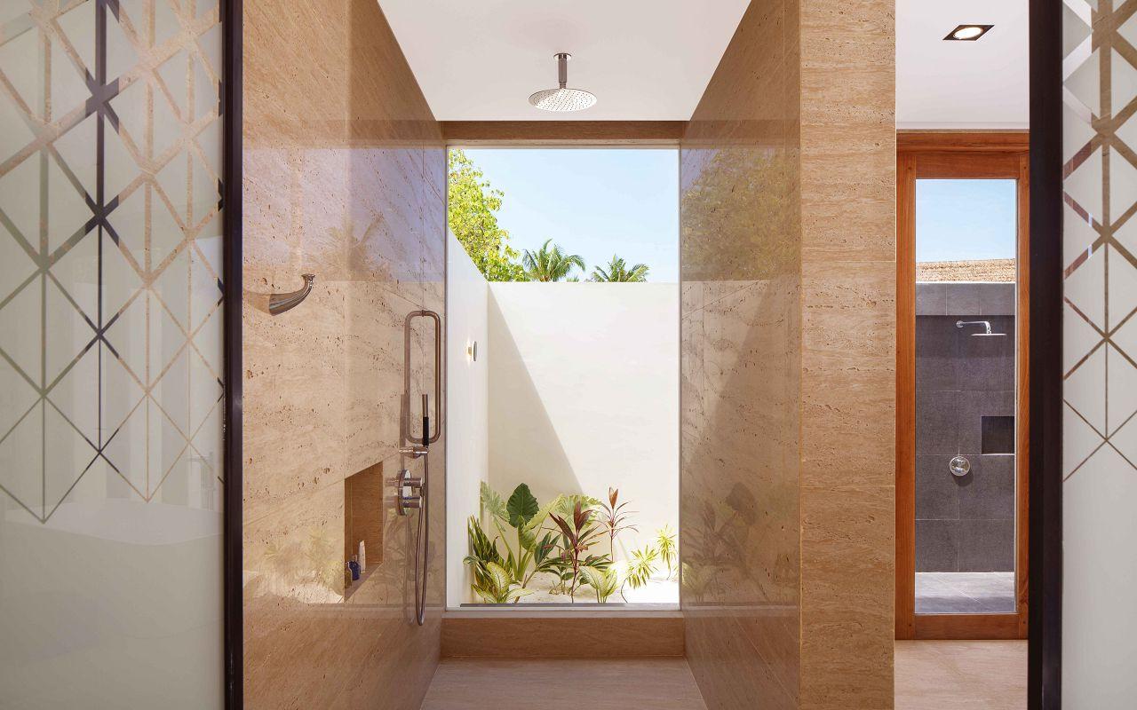 3 Bedroom Beach Suite Villa - Bathroom Showers