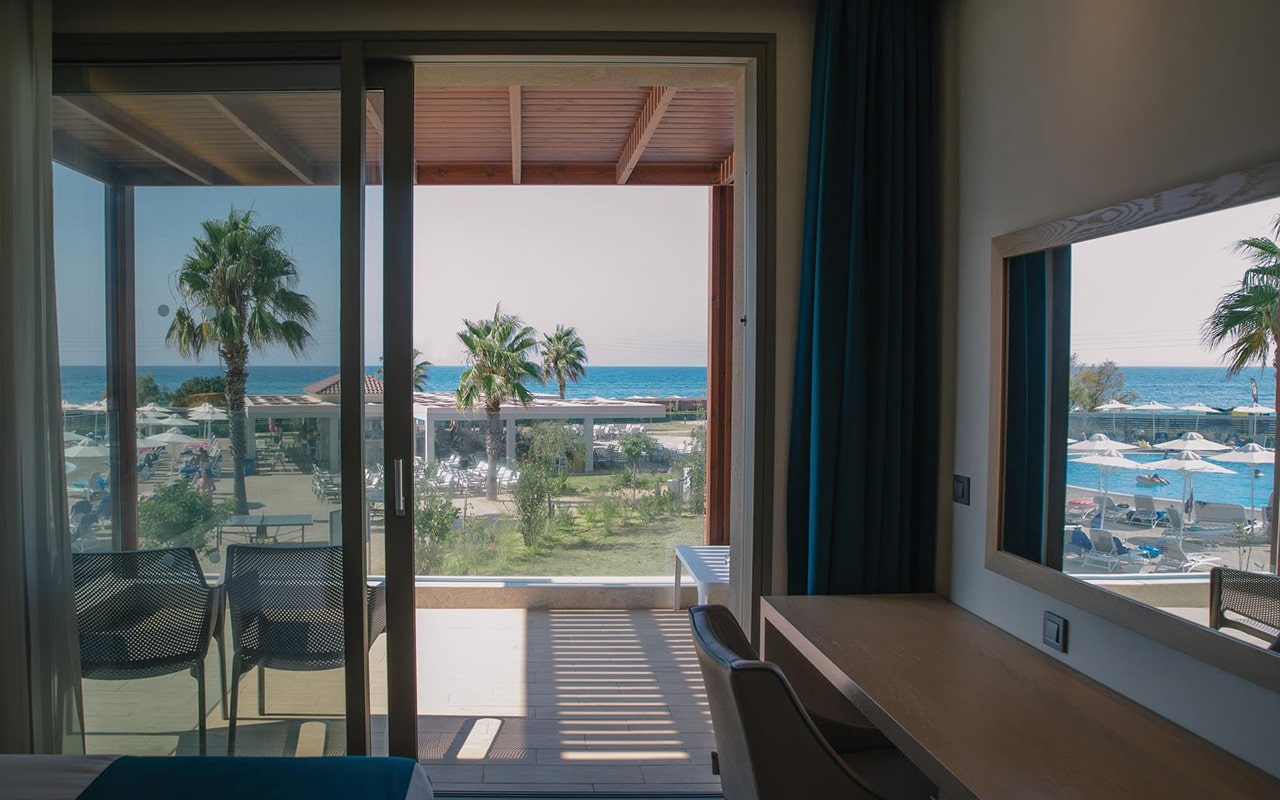 Deluxe-Double-with-Sea-View3-min