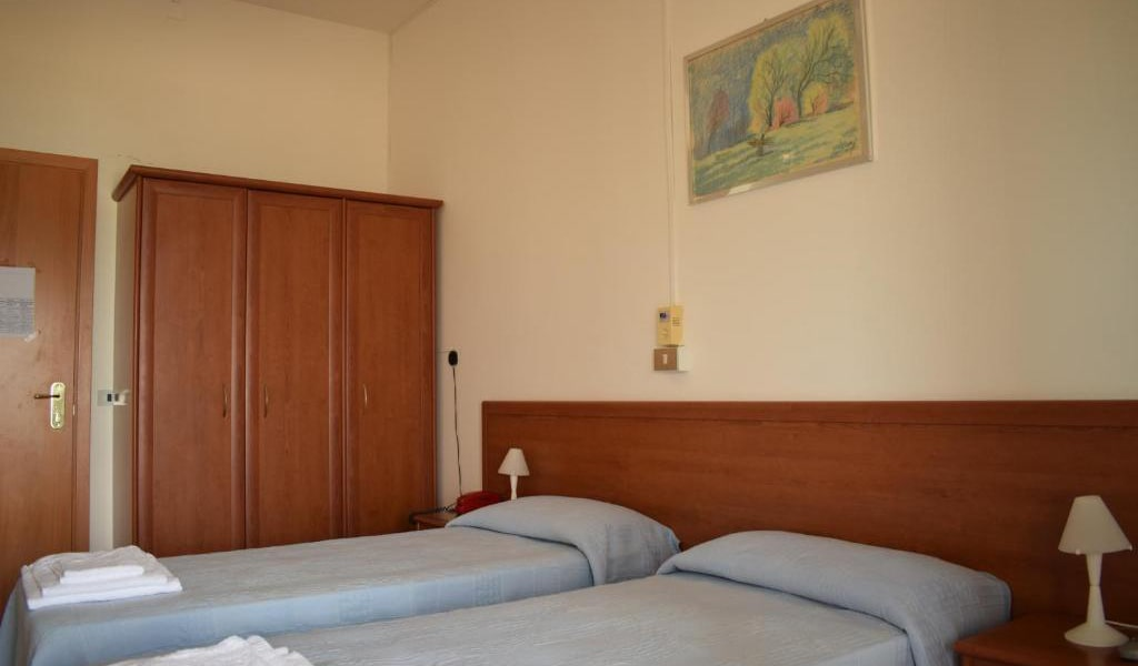 Double-or-Twin-Room-with-Garden-View-min