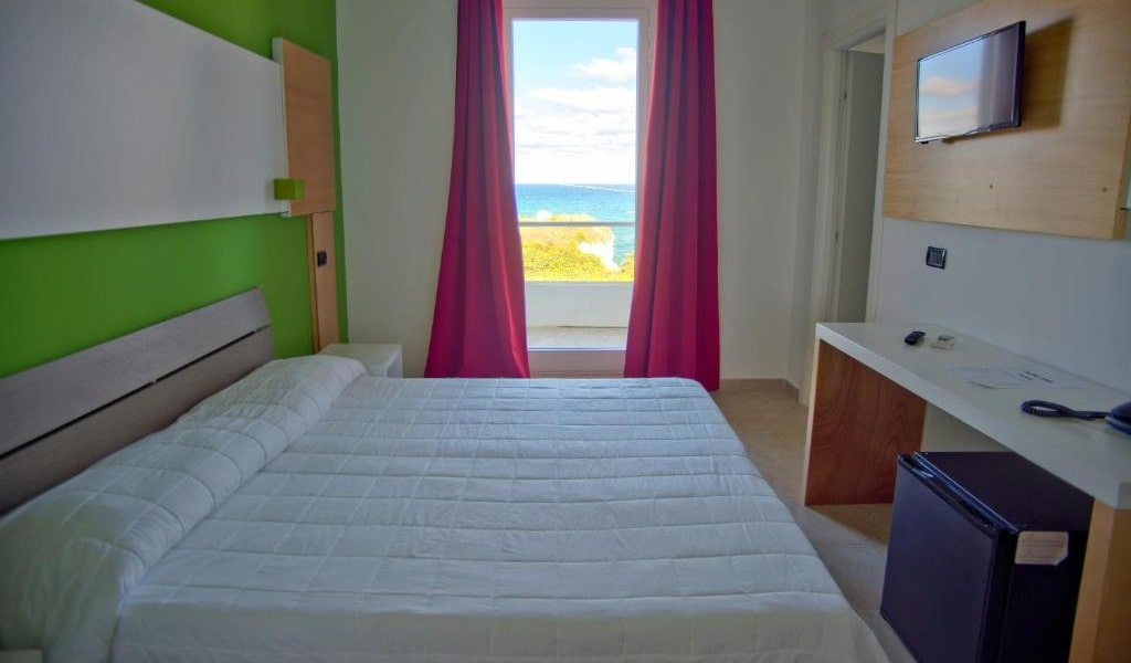 Family Suite with Balcony - Disability Access -min