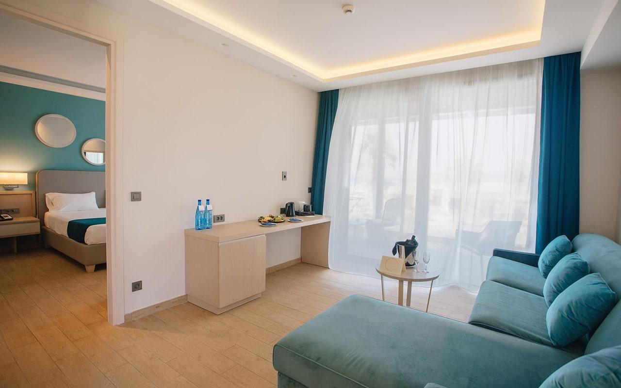 One-Bedroom-Suite,-Sea-View10-min