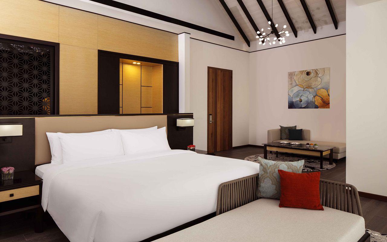Overwater Villa - Master Bedroom 1