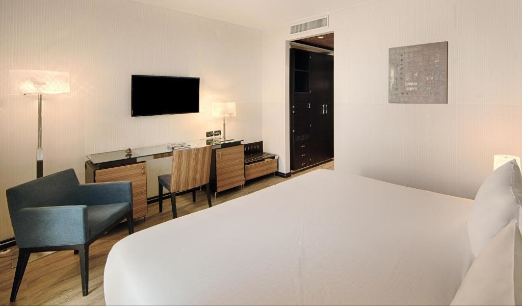 Superior Double or Twin Room with Balcony with Extra Bed3-min