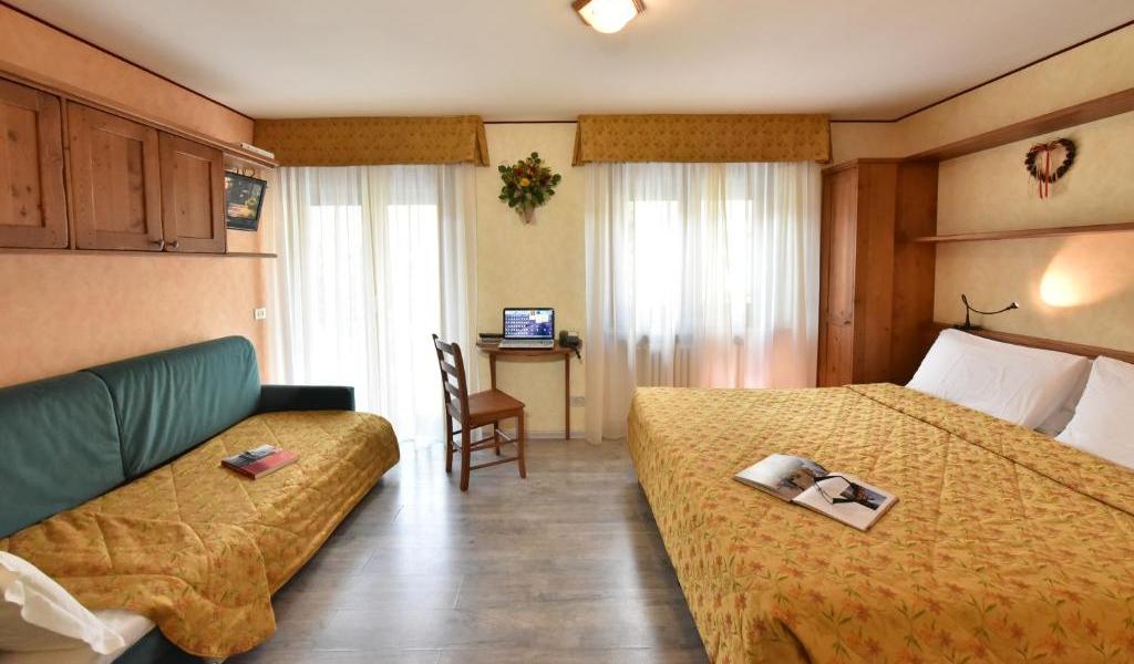 Triple Room with Balcony 3