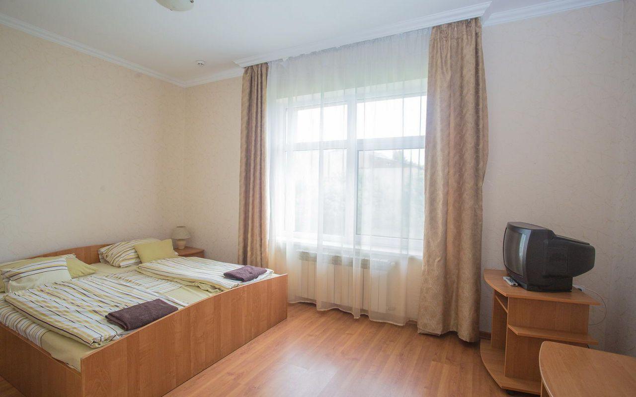 hotel-praktik-beregovo0033-539b5bd646