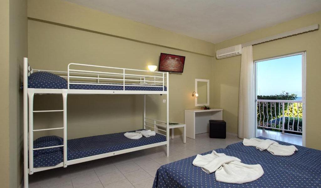 Family-Room6-min
