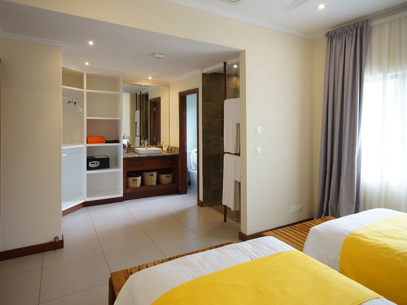 Two Bedroom Apartments (13)