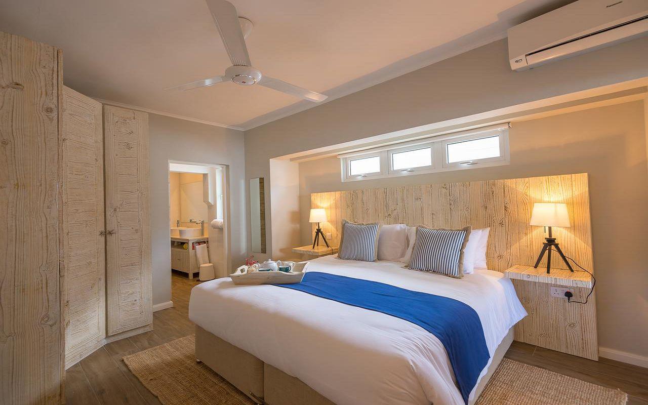 7Le Nautique Luxury Beachfront Apartment (10)