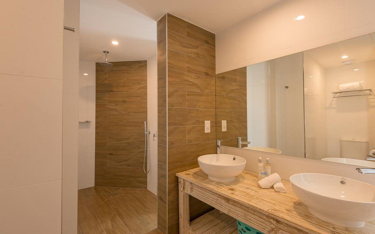7Le Nautique Luxury Beachfront Apartment (7)