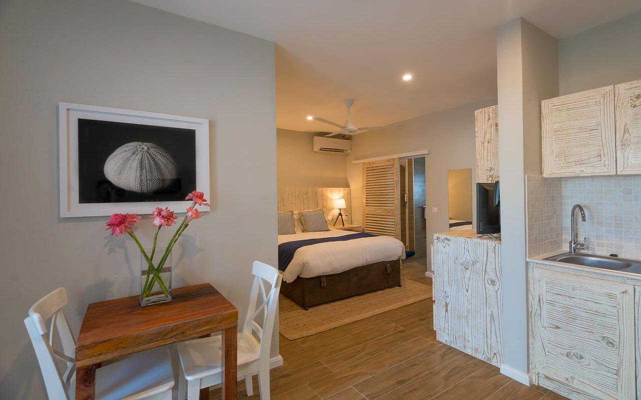 7Le Nautique Luxury Beachfront Apartment (8)