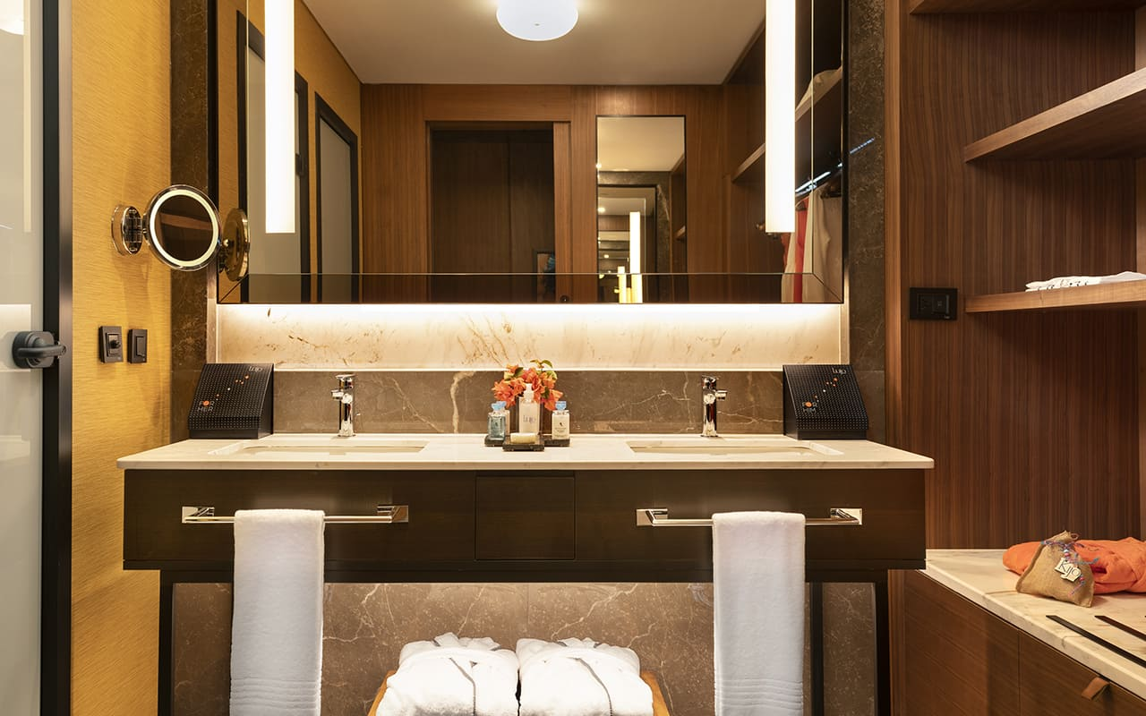 Lujo-Room Bathroom - 02 - Sarı