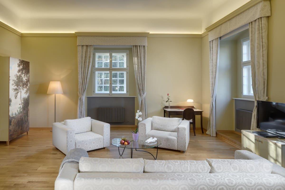 grande luxury suite olden forest (1)