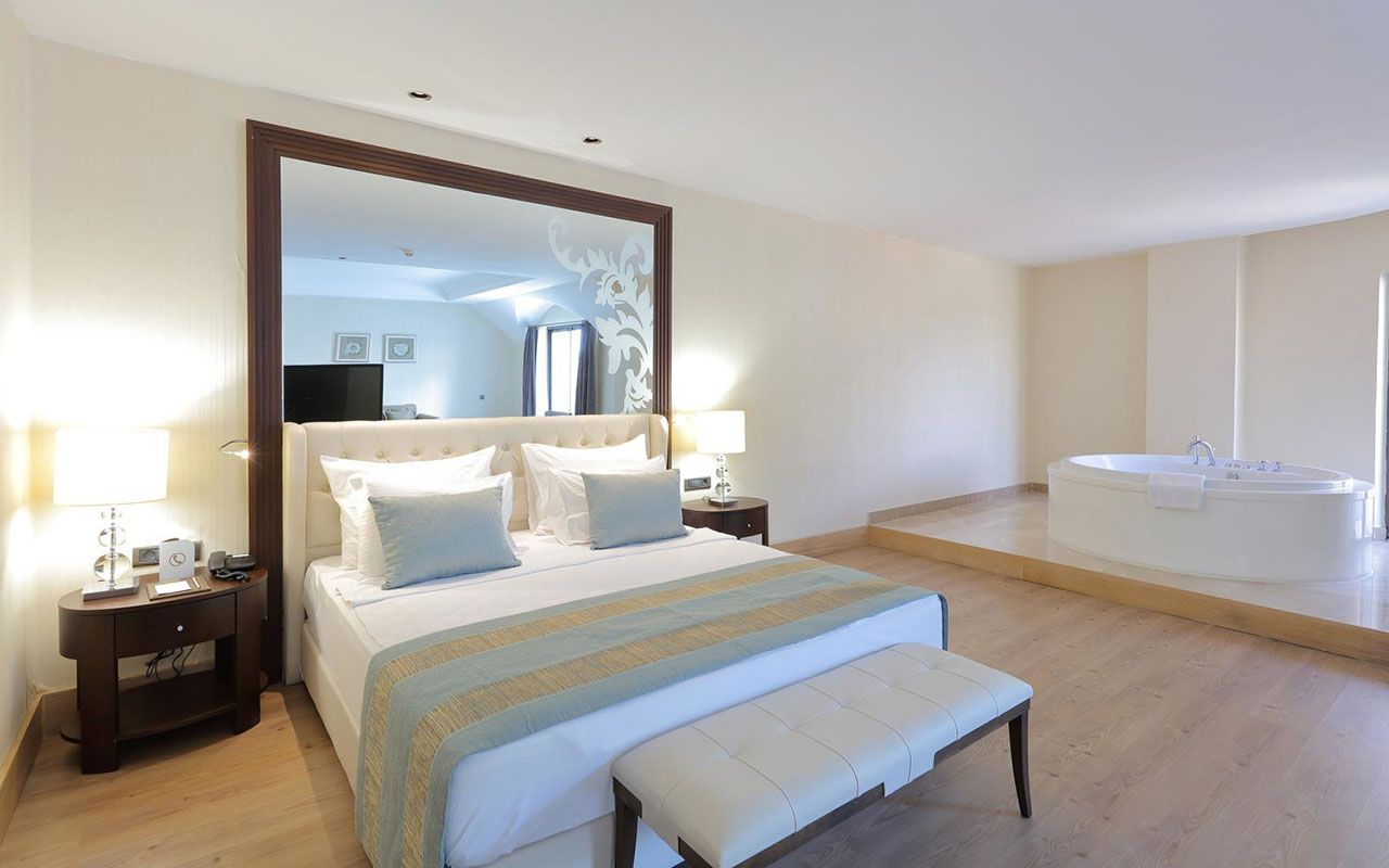 Honeymoon Suite Room-amara-2807