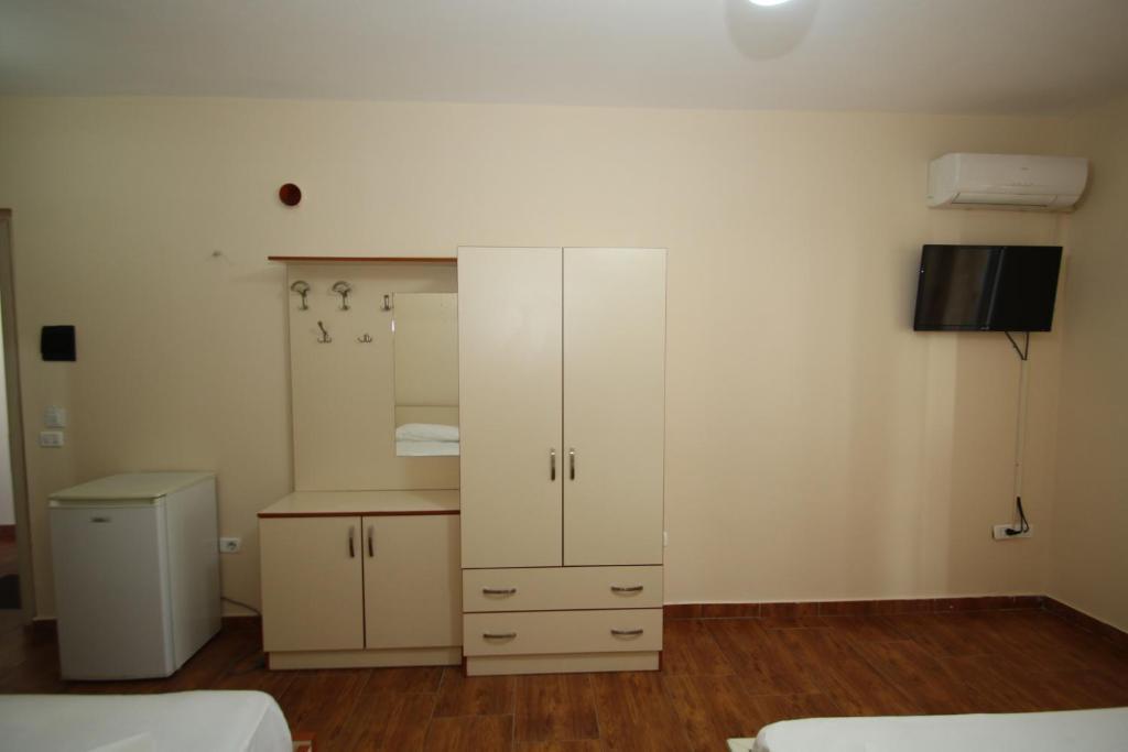 Klebrido-Classic Quadruple Room (4)