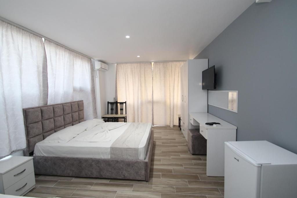 Klebrido-Comfort Triple Room (1)