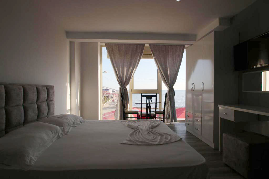 Klebrido-Comfort Triple Room (12)