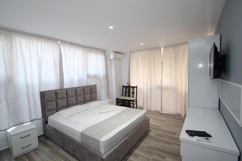 Klebrido-Comfort Triple Room (2)