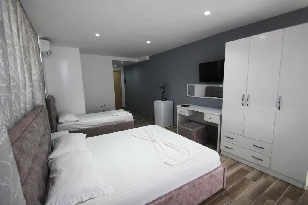 Klebrido-Comfort Triple Room (7)