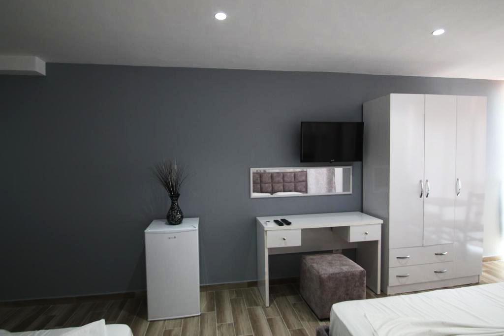 Klebrido-Comfort Triple Room (8)